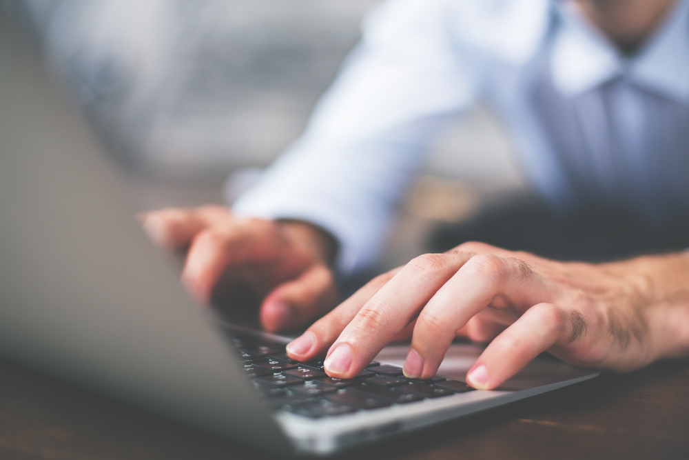 The Differences Between Telecommuting and IT Helpdesk Services